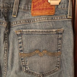 🍀 Lucky Brand Light-wash Jeans